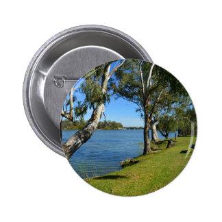El banco de parque, Berri, sur de Australia, Pin Redondo De 2 Pulgadas