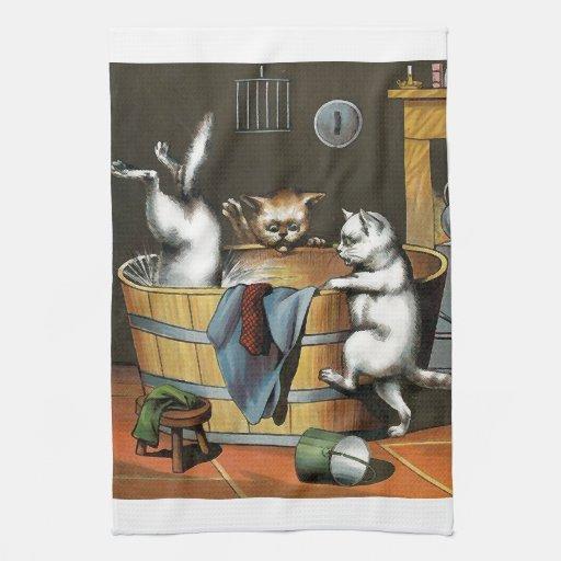 El baño de los gatitos - arte del vintage toallas