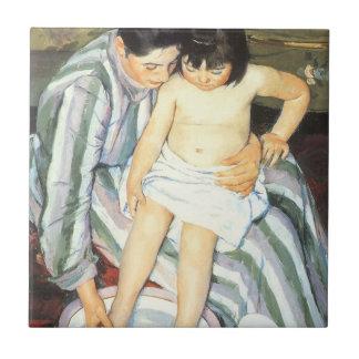 El baño de Mary Cassatt, bella arte del niño del Azulejo Cuadrado Pequeño