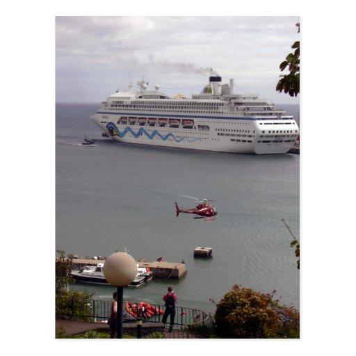 El barco de cruceros AIDAblu en el puerto de Funch Tarjeta Postal