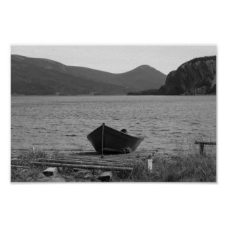 El barco de madera viejo póster
