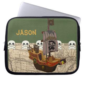 El barco pirata del dibujo animado personaliza fundas computadoras