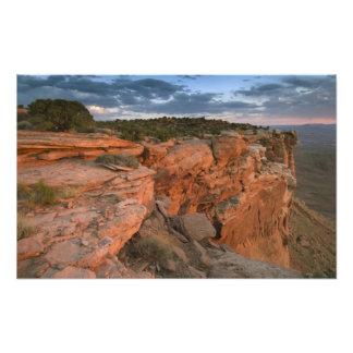 El barranco pasa por alto en la isla en el cielo fotos