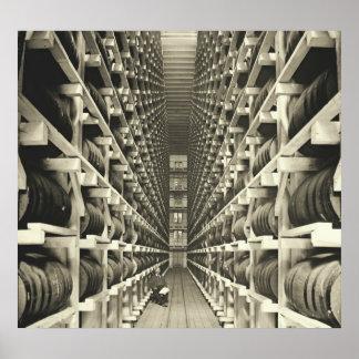 El barril de la destilería atormenta 1905 póster