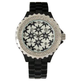 El batik del vintage protagoniza el modelo del relojes de pulsera