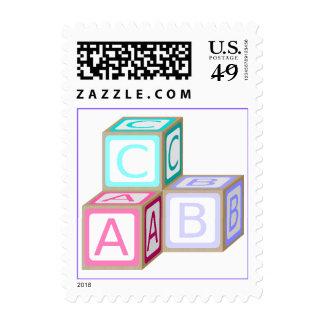 El bebé colorido bloquea el sello