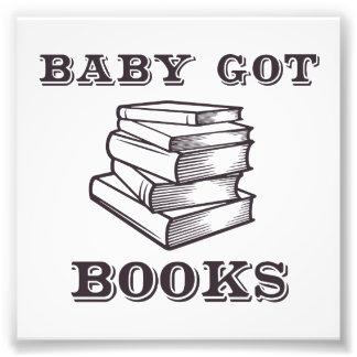 El bebé consiguió los libros cojinete