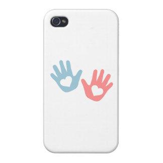 El bebé da corazones iPhone 4 protectores