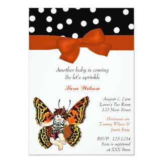 """El bebé de hadas de la mariposa asperja la invitación 5"""" x 7"""""""