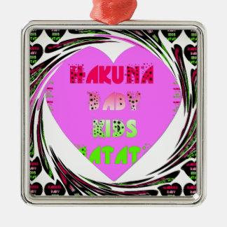 El bebé de Hakuna Matata de los corazones de los Adorno Cuadrado Plateado