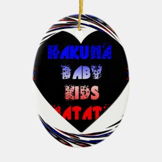 El bebé de Hakuna Matata del negro azul embroma Adorno Ovalado De Cerámica