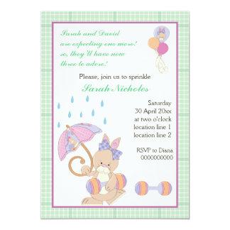 El bebé del conejito asperja la frontera de la invitación 12,7 x 17,8 cm