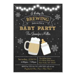 """El bebé del invierno está elaborando cerveza invitación 5"""" x 7"""""""