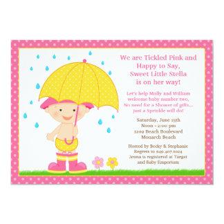 El bebé del paraguas asperja rosa de la ducha invitación personalizada