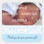 El bebé dulce de la banda azul le agradece los calcomanía cuadradas