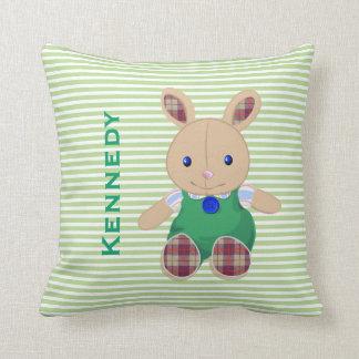 El bebé embroma el monograma personalizado conejo almohada