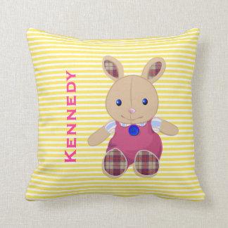 El bebé embroma el monograma personalizado conejo almohadas