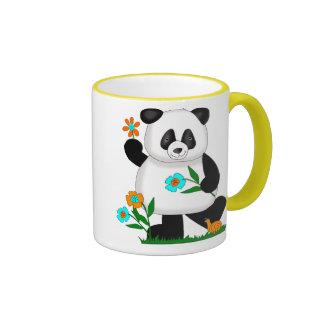 El bebé embroma la panda con las flores 2 taza a dos colores