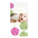 El bebé le agradece las floraciones de las rosas f tarjeta con foto personalizada