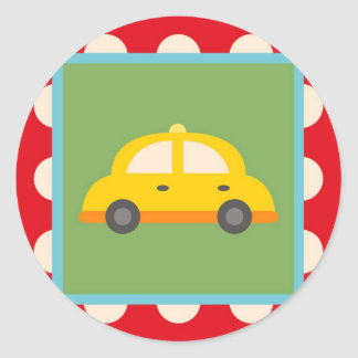 El bebé lindo del tema del transporte del coche etiquetas redondas