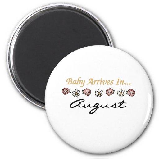 El bebé llega en agosto imán para frigorifico