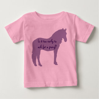 El bebé púrpura quiere el potro playera de bebé