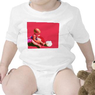 el bebé que sentaba y que jugaba pascua rosada pos camisetas
