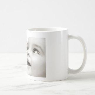 El bebé sonríe taza