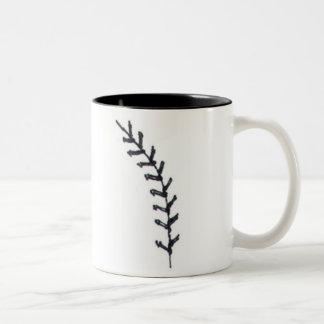El béisbol es una imagen del corazón de la puntada taza de dos tonos