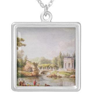 El belvedere, Trianon pequeno Collar Plateado