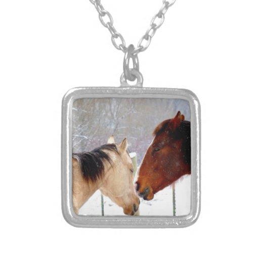 El besarse de los caballos collares personalizados