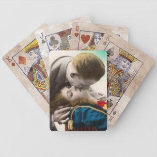 El besarse descarado de los pares barajas de cartas
