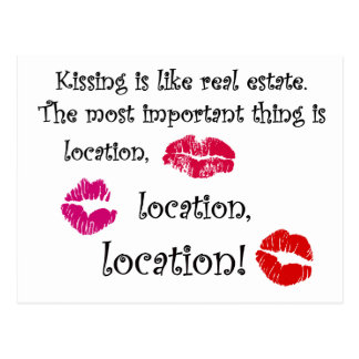 El besarse es como cita del amor de la cita de las tarjeta postal