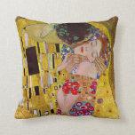 El beso de Gustavo Klimt, arte Nouveau del vintage Almohadas