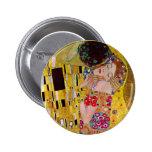 El beso de Gustavo Klimt, arte Nouveau del vintage Pin Redondo De 2 Pulgadas