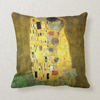 El beso de Gustavo Klimt Cojín