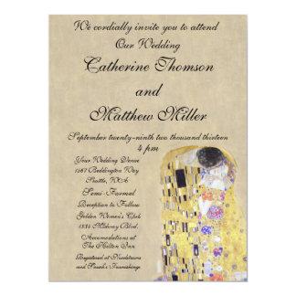 El beso por la invitación cremosa del boda de la invitación 16,5 x 22,2 cm