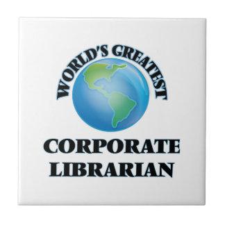 El bibliotecario corporativo más grande del mundo tejas  cerámicas