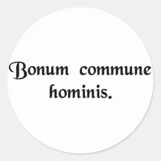 El bien común del hombre pegatina redonda