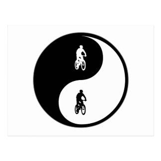 El Biking de la montaña de Yin Yang Postal
