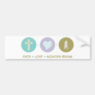 El Biking de la montaña del amor de la fe Etiqueta De Parachoque