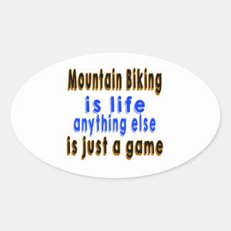 El Biking de la montaña es vida que todo lo demás Pegatina Ovalada
