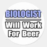 El biólogo… trabajará para la cerveza pegatinas