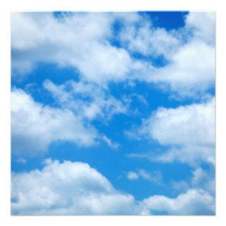 """El blanco del cielo azul se nubla el fondo divino invitación 5.25"""" x 5.25"""""""