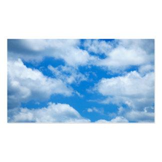 El blanco del cielo azul se nubla el fondo divino tarjetas de visita