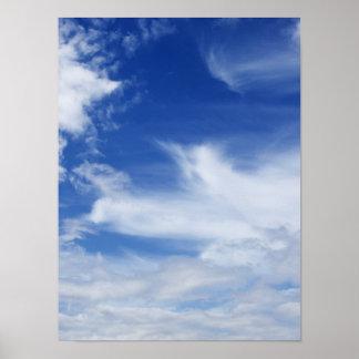 El blanco del cielo azul se nubla el fondo - modif poster