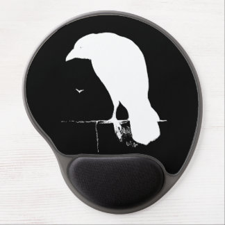 El blanco del negro de la silueta del cuervo del alfombrilla con gel