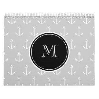 El blanco gris ancla el modelo, monograma negro calendarios