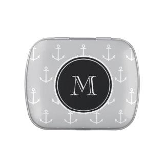 El blanco gris ancla el modelo, monograma negro jarrones de caramelos