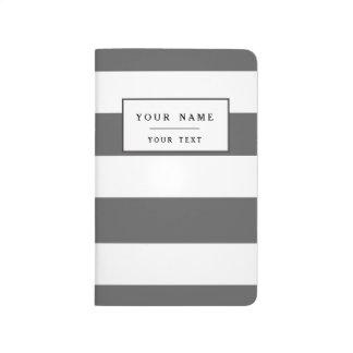 El blanco gris moderno de carbón de leña raya el cuadernos grapados